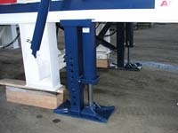 Optional runon landing jacks