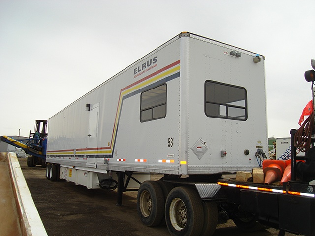 ELRUS Control Trailer with Windows