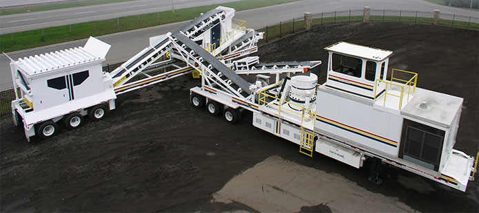 ELRUS self contained portable crushing spread
